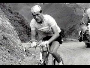 0 300x225 - ¿Por qué llaman escarabajos a los ciclistas colombianos?