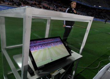 535aca969ad1203bccdb862da42dbbb4 1 360x260 - Videoarbitraje: el futuro torpe del fútbol