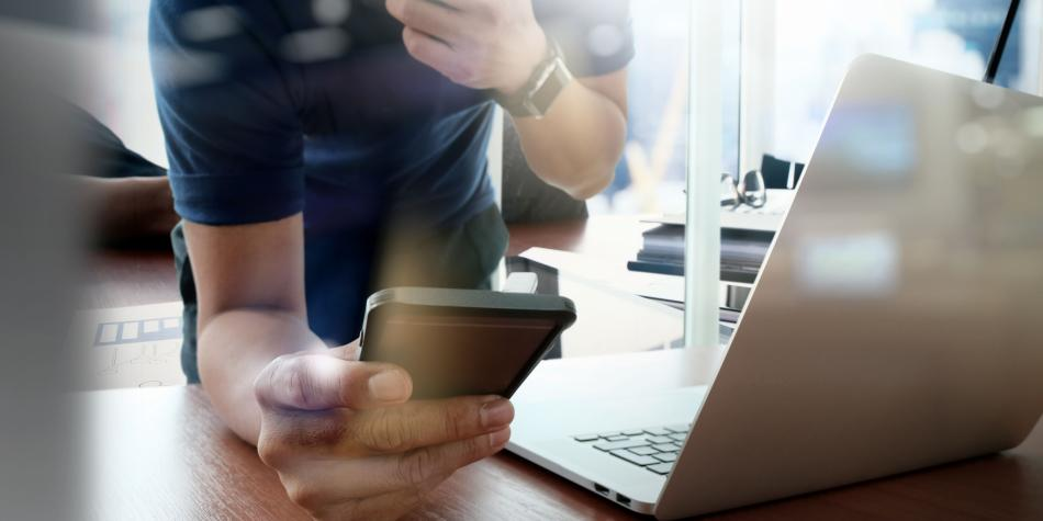 5959955947c4f - Ocho de cada diez colombianos se asesora en finanzas por internet