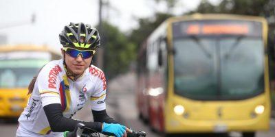 59793f72d95a4 1 - Una imprudencia le cambió la vida a una ciclista bogotana