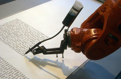 60ed54f38988498fa1a00956c7e7f4d2 - Periodista-robot trabaja en revista Forbes redactando artículos y 'tweets'