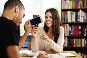 6993600118 33b39d10b3 300x200 - Lo que los estudiantes en línea realmente quieren: más interacción con profesores y compañeros