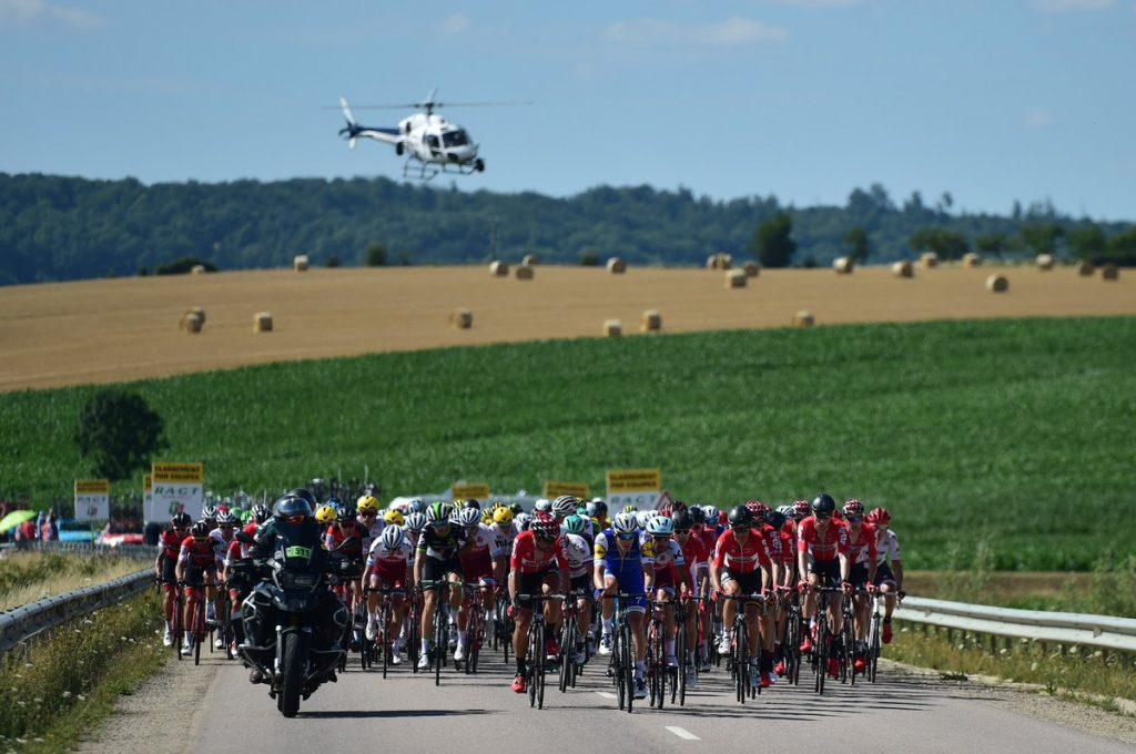 DD5lUv6XsAEig8H 1024x680 - El accidentado final de la etapa 4 del Tour de Francia