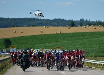 DD5lUv6XsAEig8H 360x260 - El accidentado final de la etapa 4 del Tour de Francia