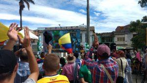 DFW124mW0AA1Csd 300x169 - ¡Qué orgullo! Rigo se sube al podio del Tour de Francia