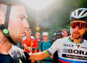 sagancavendihsborae 0 360x260 - Peter Sagan, expulsado del Tour de Francia por codazo a Mark Cavendish