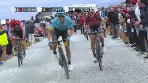 5eoqJDTcWtTTou19 300x169 - El colombiano Miguel Ángel 'Supermán' López hace historia ganando etapa en la Vuelta
