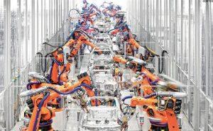 china fabrica reemplaza al 90 jpeg 976x0 300x185 - 'Nuestro futuro está en la interacción humana': Geoff Colvin