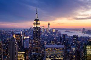 empire state noche 300x199 - La tecnología es el único futuro para la industria del turismo