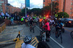 Protesta ciclista vía la calera 300x200 - Biciusuarios no paran de reclamar