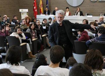jarvis 620x349 360x260 - Jeff Jarvis: «El periodista del futuro debe ser digital y con alma de empresario»