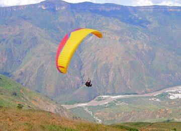 parapente 360x260 - Claves para hacer de San Gil, Santander,  un destino turístico de aventura  sostenible y competitivo.