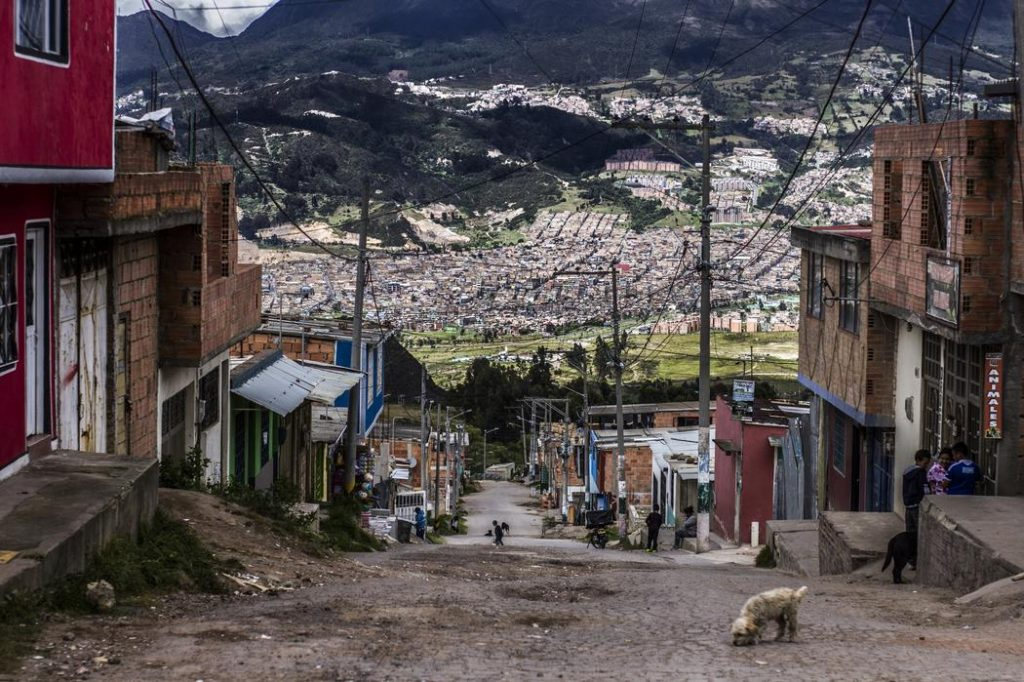 1502988162688 MRM00262 1024x682 - Visitamos a El Mochuelo, el barrio de Bogotá que hoy vive entre las moscas
