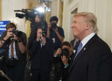 donald trump2 afp 3 360x260 - En polémica por política nuclear, Trump amenaza a la prensa