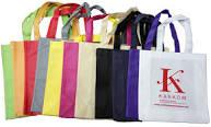 download 2 - Un trueque por la salud del planeta: por cada diez bolsas plásticas le dan una de tela