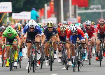 fernando gaviria stage 3  tim de waele 1 360x260 - Fernando Gaviria logró su tercer triunfo consecutivo en el Tour de Guangxi