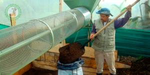 maquinas para lombricultura 300x150 - Así se la está jugando la sabana de Bogotá por reutilización de basura