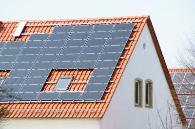 panel solar cortesia sat - Colombia apuesta con decisión por la generación de energías renovables