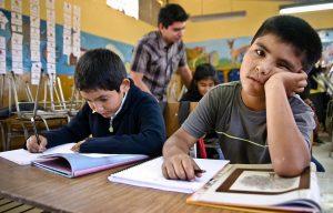 Niño clase 300x192 - 'El sistema educativo está formando zombis': Juli Garbulsky