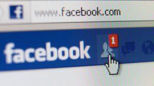 Falla Facebook celebrar FotoIlustrativa Dreamstime MEDIMA20151231 0178 24 300x169 - En algunos países, los nuevos cambios de Facebook impulsaron las noticias falsas