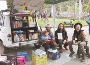 bibliocarro 360x260 - Una biblioteca sobre ruedas en Bogotá