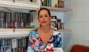 claudiamorales 300x175 - Claudia Morales: sembrando por la niñez