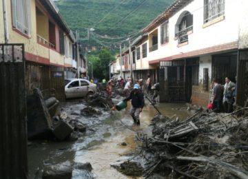 lluvia san gil 360x260 - Continúa la alerta por fuertes lluvias en Santander