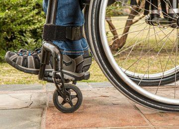 wheelchair 1595802 960 720 360x260 - Las barreras que siguen sufriendo las personas con discapacidad