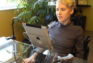 dispositivo tecla 02 300x203 - 'La discapacidad no es obstáculo para emprender': Ricardo Teixeira