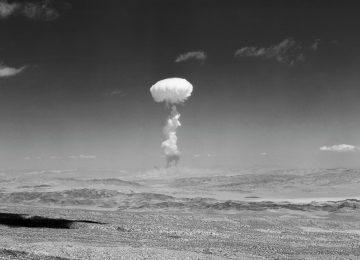 22documento nelson Drupal Main Image.var 1537583874 360x260 - El cataclismo atómico, según García Márquez