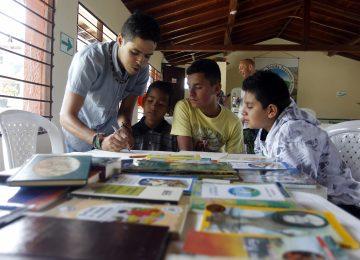 5bd0b10f5a1a8 360x260 - Ouroboros lleva la magia de la lectura a zonas campesinas de Medellín