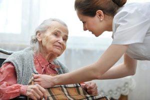 Fotolia 51210382 Subscription XXL 300x200 - Cuidar niños y ancianos, un empleo con mucha demanda para el futuro