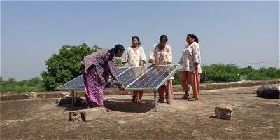 IMAGEN 15702155 2 - En la India, wayús analfabetas se volvieron ingenieras solares