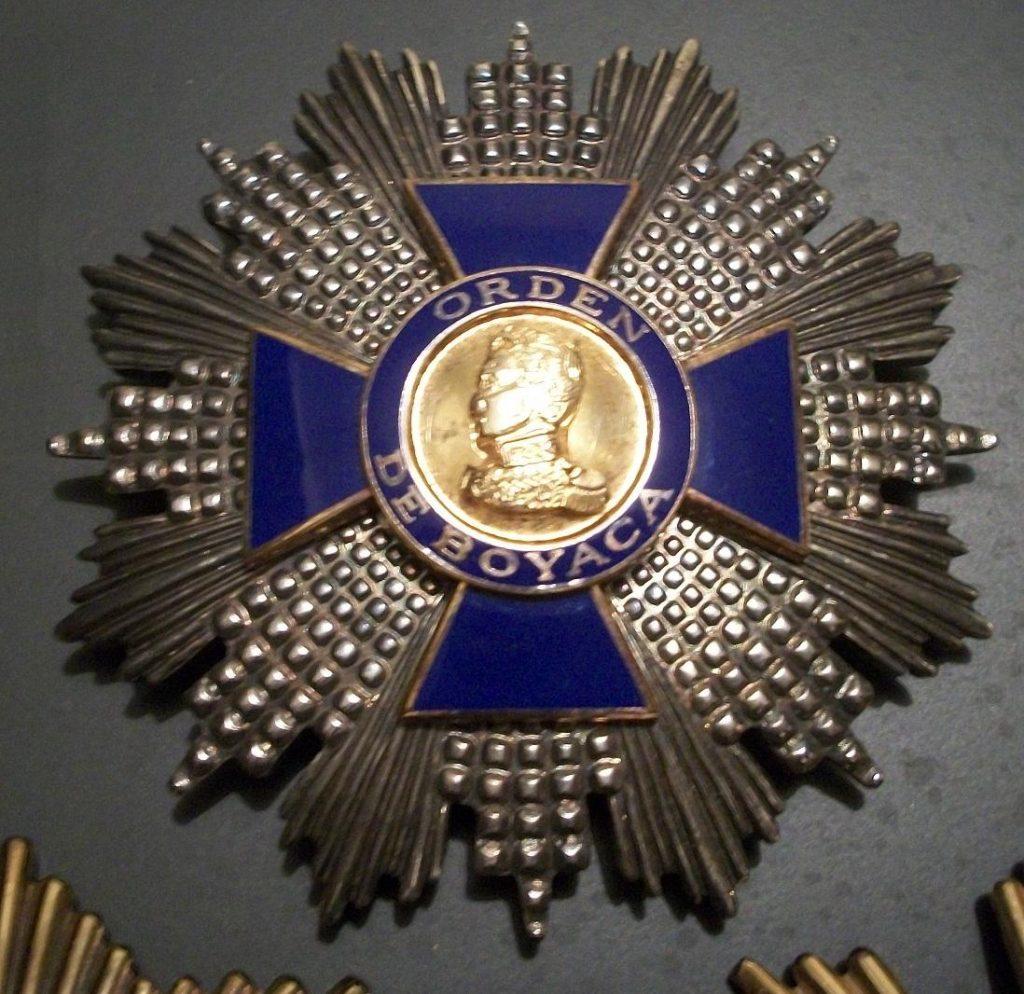 Orden cruz de boyaca 1024x994 - Medallas y dólar desbocados