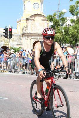 36 m 100861012 DIGITAL HIGHRES 2579 053440 24135542 - Sudor y lágrimas en mi primer Ironman 70.3 Cartagena - Colombia