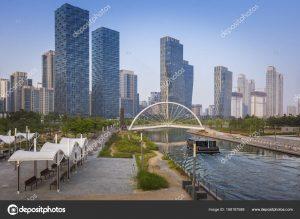depositphotos 168187588 stock photo songdo central park in songdo 300x219 - Songdo, la ciudad sin autos diseñada en Corea del Sur