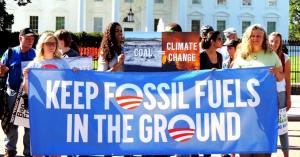 """12 300x157 - Naomi Klein: """"Los políticos son el gran obstáculo ante el cambio climático"""""""