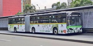 busarticuladoelctricoenmedellncortesa 6ceb22c2e3f539d45ef3853118a5cd88 1200x600 300x150 - Presentaron en Medellín los primeros buses anticontaminantes