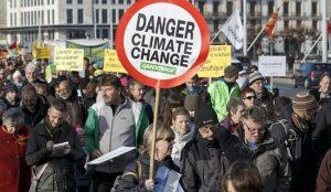 Manifestantes reclaman medidas cambio climatico 5507670 300x174 - El fenómeno Thunberg: el mundo necesita más Gretas