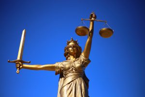 justice pixibay 300x200 - Ya era hora