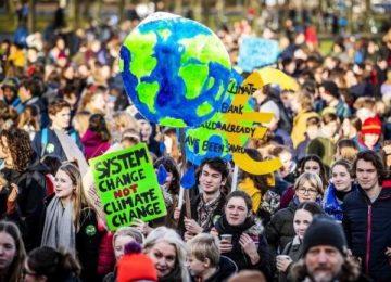 cambioclimatico efe z 360x260 - Más de 10.000 estudiantes marchan en La Haya contra el cambio climático