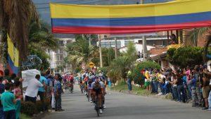 """ciclismo colombia 300x169 - """"Si toda la vida fui ciclista, no puedo dejar la bicicleta"""": Santiago Botero Echeverri, exciclista colombiano"""