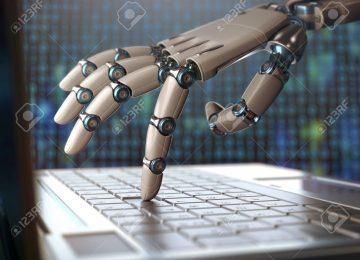 76612969 mano robótica usando un ordenador portátil 360x260 - 2 de 3 empleos en países en desarrollo podrían ser automatizados: Banco Mundial//El Espectador.com//You Tube