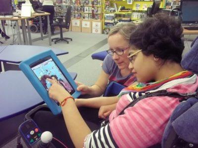 tech hub 24 9 15 5 miriam bibawy 1024x768 681x511 - Inteligencia artificial para mejorar la vida de personas con discapacidad