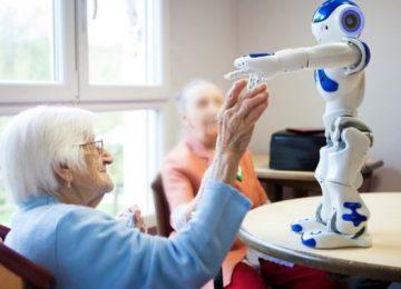 zora 864x400 c 360x260 - Zora, el robot que cuida y entretiene a los ancianos