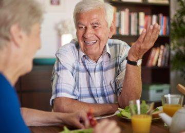 cosas de abuelos3 360x260 - Sentirse útil es la esencia de la calidad de Vida//YouTube//Foto:Muy Saludable.com