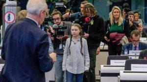 """greta thunberg 1550762072334 300x169 - """"Estáis robando el futuro a vuestros hijos"""": la crítica de una adolescente en la cumbre del clima de la ONU//YouTube"""