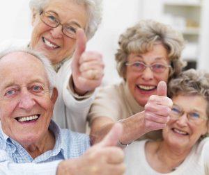 las personas mayores son mas felices que las mas jovenes 300x252 - La tecnología es clave para la salud de las personas mayores