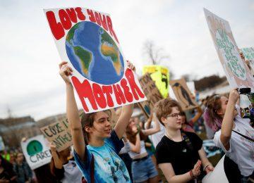 merlin 152125536 742336f2 c4ea 49ba b6e5 c59a81125c83 master1050 360x260 - Galería: En todo el mundo los jóvenes exigen acciones contra el cambio climático