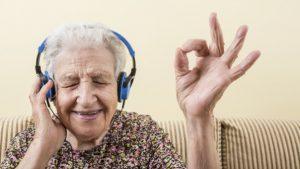 260126 233365 300x169 - 5 tecnologías que mejoran la vida de los mayores